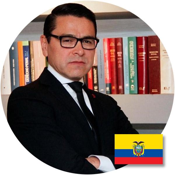 Magister FAUSTO RAMIRO VÁSQUEZ CEVALLOS